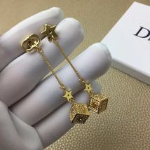 Authentic Christian Dior 2019 DIOR LUCKY SQUARE EARRINGS CRYSTAL DANGLE DROP image 5