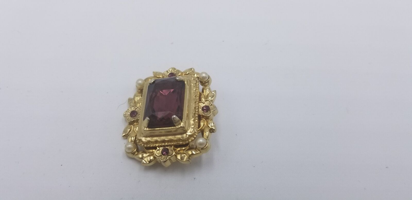 Vintage Signed Coro Gold Tone Pearl & Purple Stone Floral Pin / Brooch EUC image 2