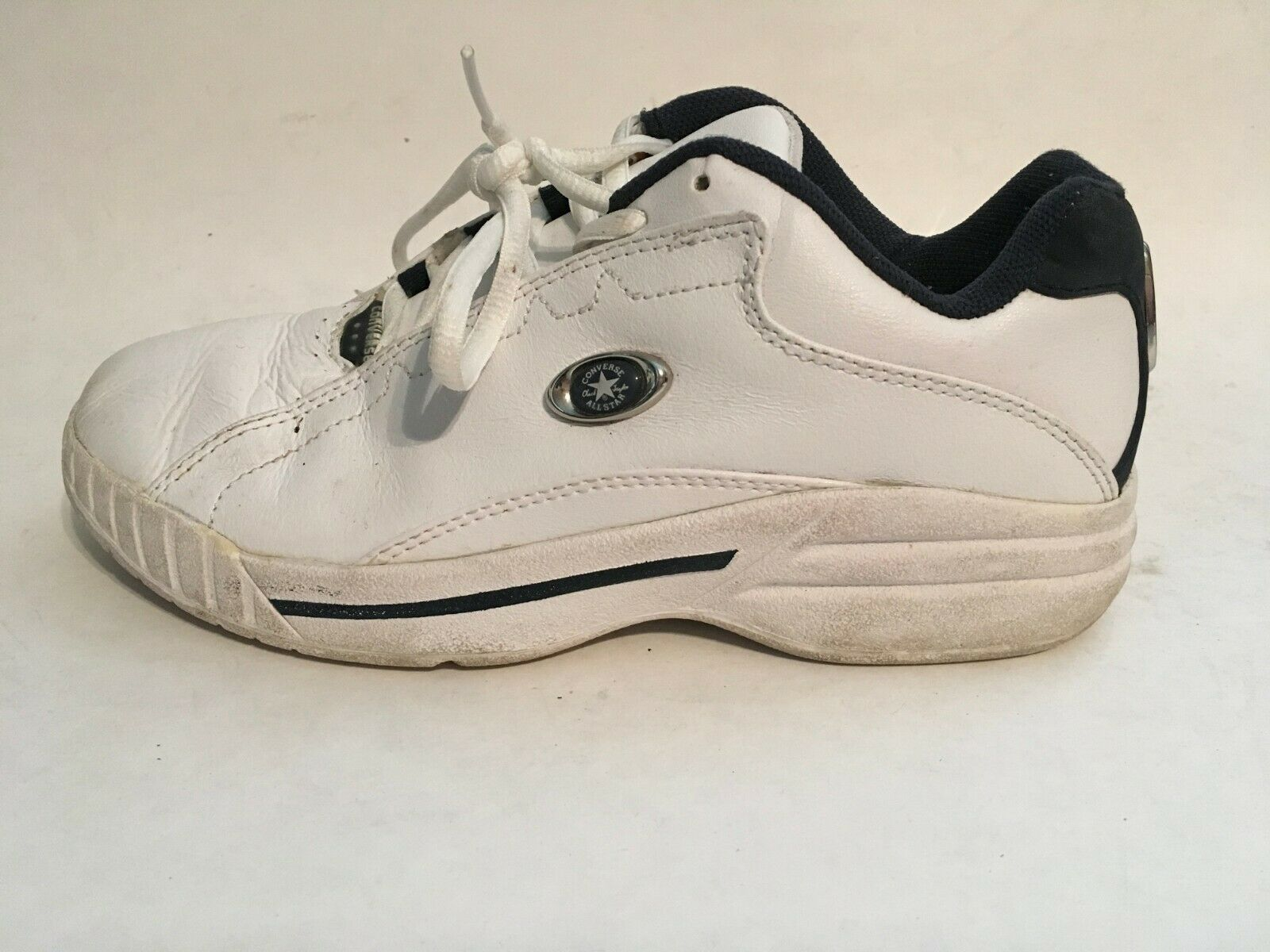 Converse All-Star Womens White Leather Athletic Running Walking Shoes sz 5