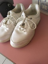 New Balance White Sneakers Size 8 - $21.11