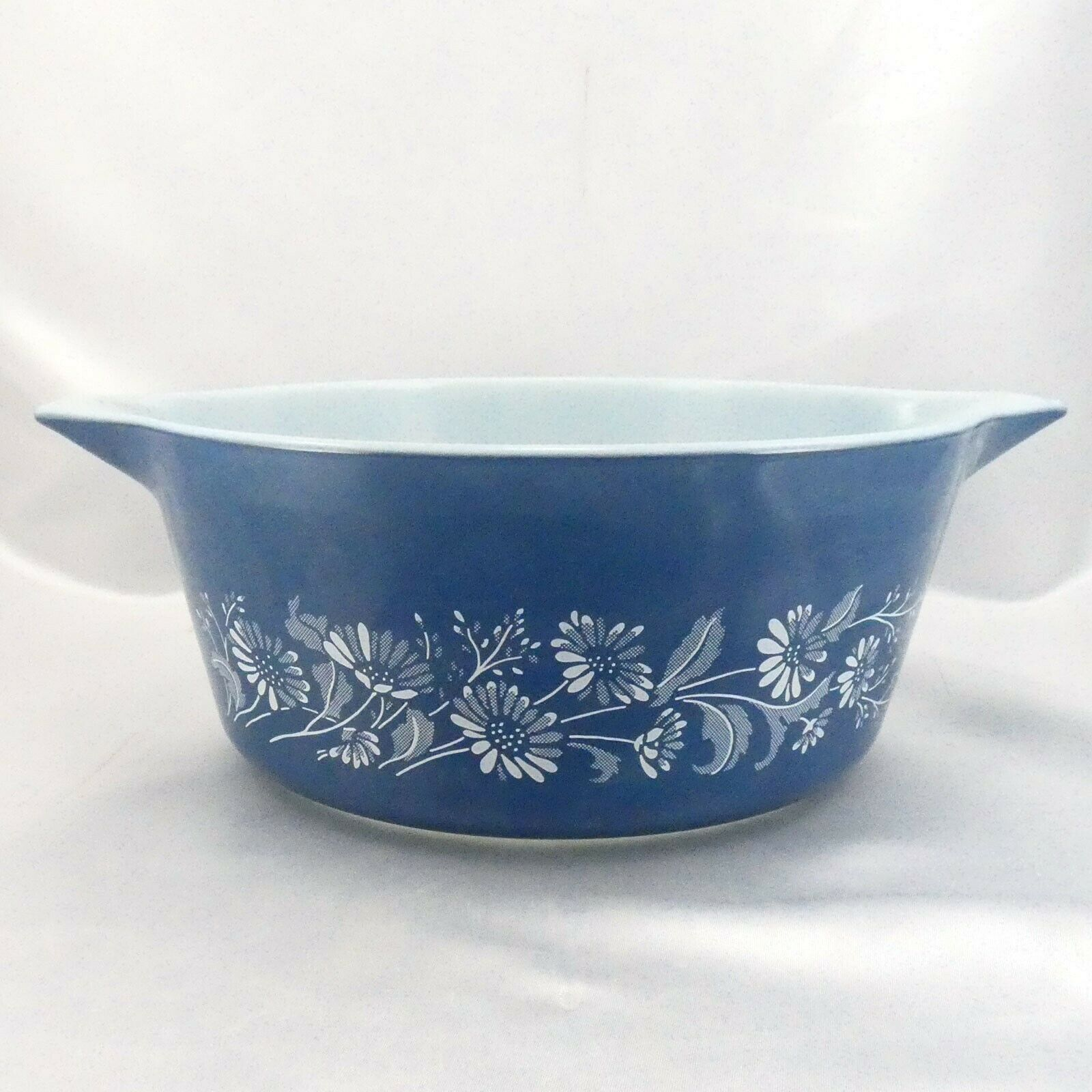 Pyrex 475 Colonial Mist Serving Bowl 2.5qt Blue Daisy Casserole Dish Made in USA