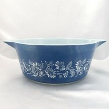 Pyrex 475 Colonial Mist Serving Bowl 2.5qt Blue Daisy Casserole Dish Made in USA image 3