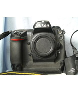 Nikon D2X 12.4MP Professional DSLR Digital SLR Camera c/w Strap, Charger... - $250.00