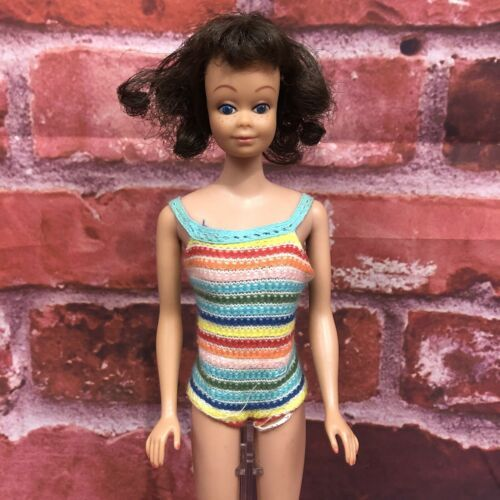Primary image for Vintage 1962 Fashion Midge Barbie Doll Brunette Straight Leg Bathing Suit Shoes