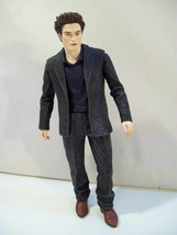 "NECA TWILIGHT NEW MOON EDWARD CULLEN 7"" ACTION FIGURE SUIT 2009 - $14.65"