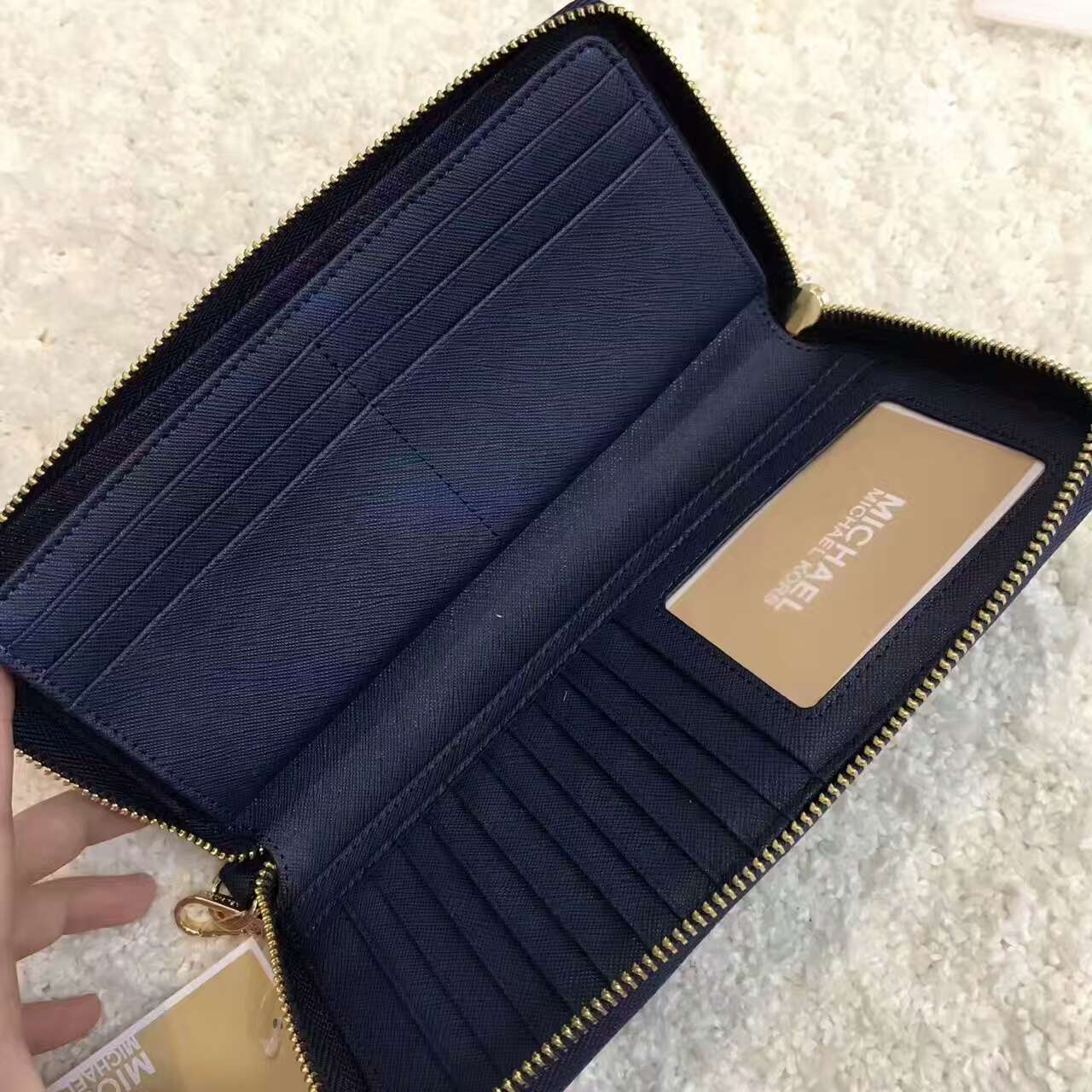 72677537559f Auth Michael Kors Jet Set Travel Leather Continental Wallet Wristlet Navy  Blue