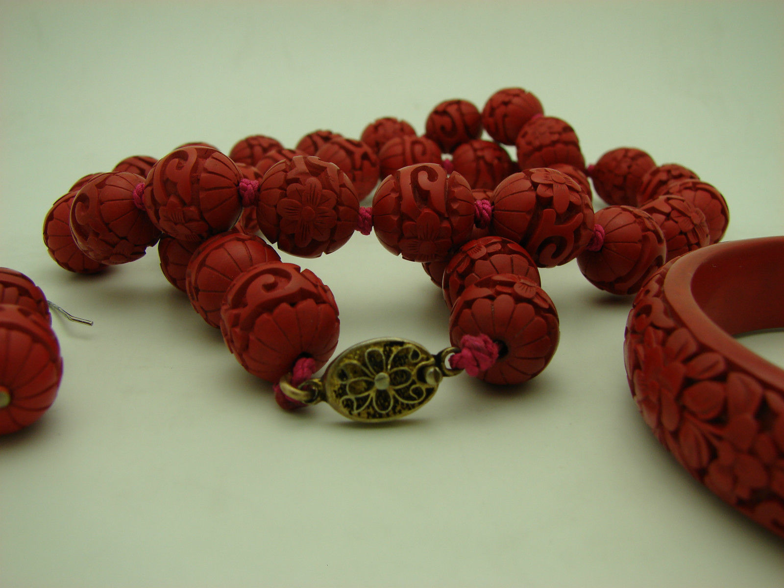 VINTAGE Chinese Red Cinnabar Floral Bead Necklace Bangle Earrings Set Sterling