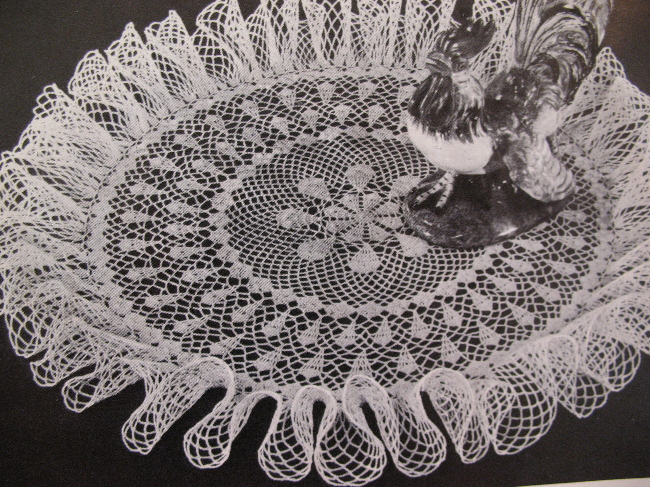 Vintage Ruffled Doilies Doily Crochet Pattern Booklet