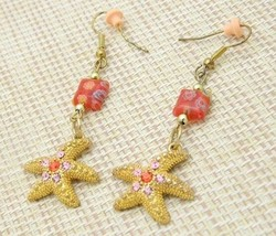Vintage Gold Tone Rhinestone Art Glass Starfish Dangle Earrings - $19.80