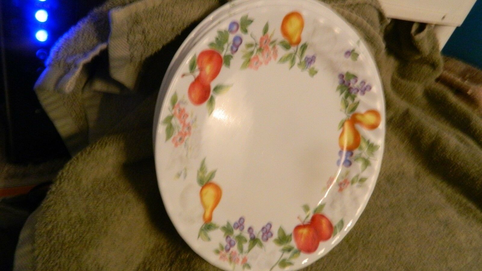 Primary image for 4 CORELLE CHUTNEY 9 INCH LUNCH / SALAD PLATES SWIRLED RIM NEW FREE USA SHIPPINGC