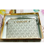 NWT MICHAEL KORS Karla Leather Wristlet Vanilla Gold Acorn Gift Box - $60.76
