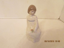 ENRIQUE G. NADAL COLLECTION SITTING GIRL WITH FLOWER COLLECTORS CLUB 198... - $14.95