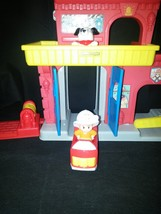 Fisher Price Little People Fire station firehouse  2013.Boys & Girls  TO... - $16.82
