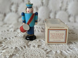 Avon Nutcracker Ornament Collection The Soldier 1984 - $5.81