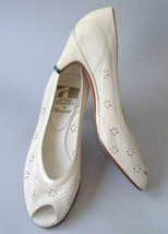 Off White Peep Toe Suede Leather Pumps Shoes Vintage 6M Eyelet Flowers I... - $30.00