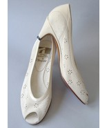 Shoes off white suede   25.00 thumbtall