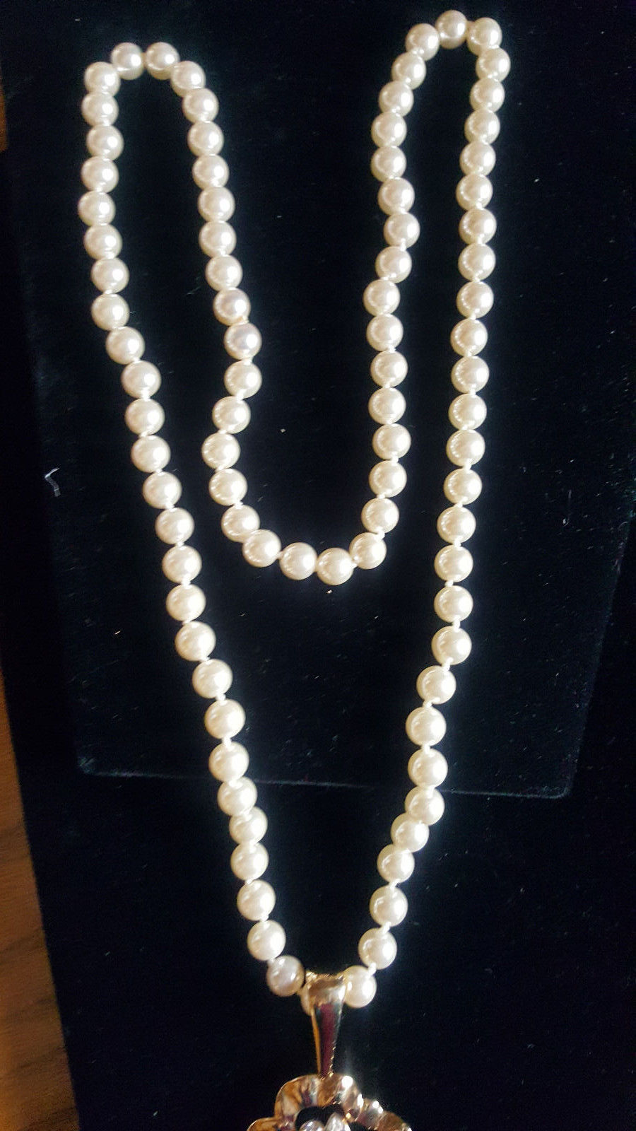 Signed Swarovski SAL Pearl with Crystal Gold Tone Flower Pendent Necklace