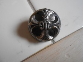 Unusual Vintage Metal Los Angeles Pin - $7.92