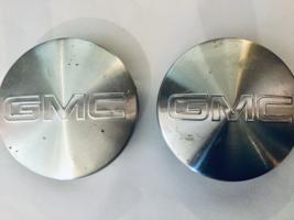 Used Two (2) Gmc Sierra 1500 Silver Emblem Oem Wheel Center Hubcaps P/N 9595383 - $11.21
