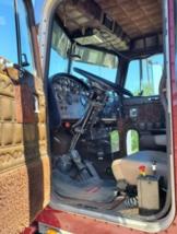 1985 Peterbilt 359 EXHD Semi Tractor For Sale in Unionville MO.63565 image 5