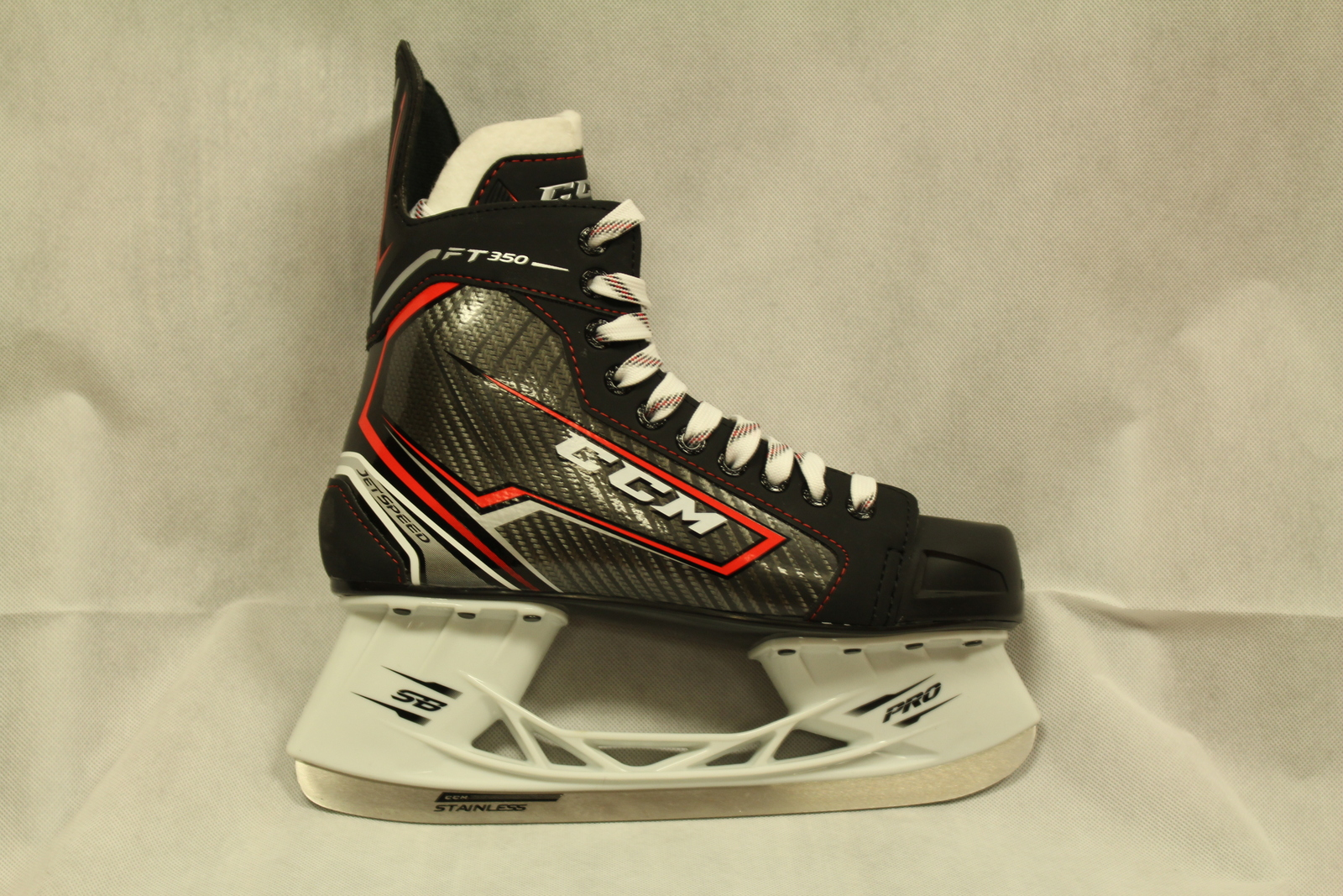 5d7b692abb4 CCM Jetspeed FT350 Senior Hockey Skates Size and similar items