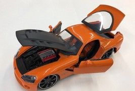 2008 Dodge Viper SRT10 Orange 1:24 Diecast Car - $23.75