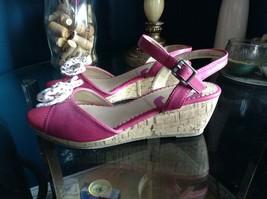 Nine West Women's Nkestella  Wedge Pink Size 5M - $21.77