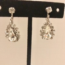 Vintage Screw Back Rhinestone Teardrop Earrings J0335 - $9.49