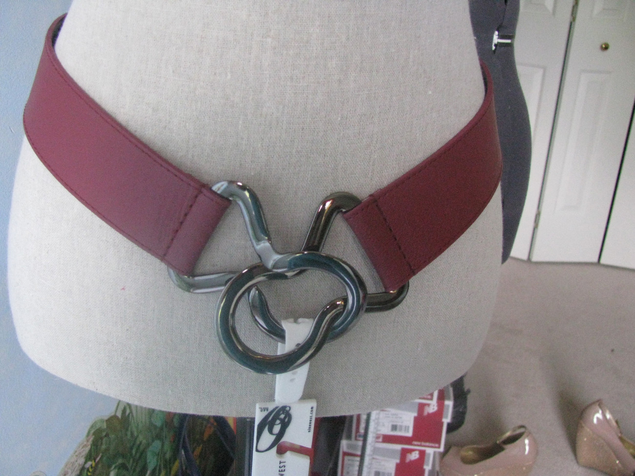 NINE WEST Women Adjustable Red Belt With Pewter Buckle size M/ L, RETAIL $38 NWT