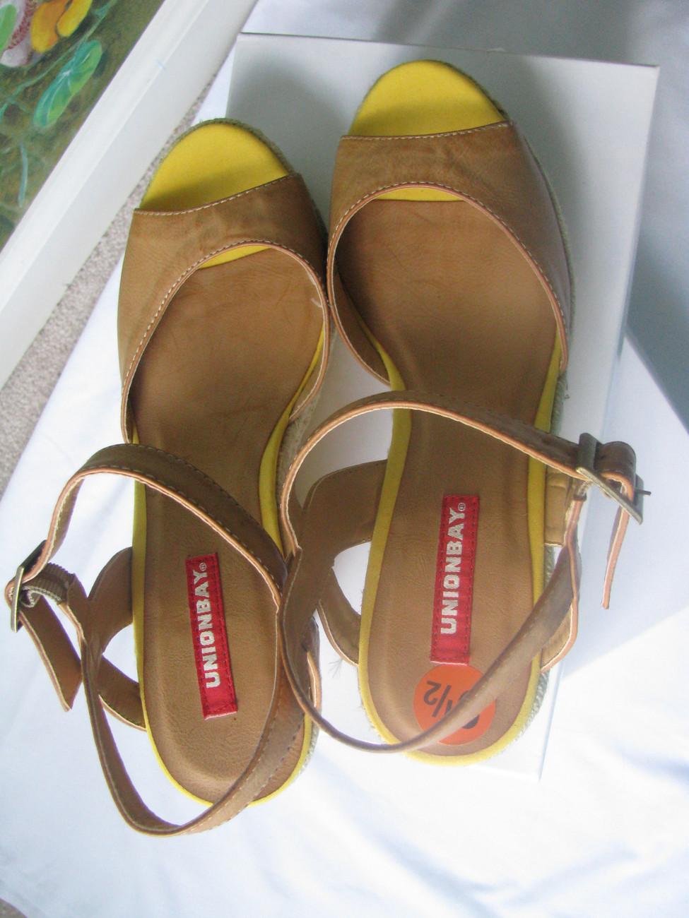UNIONBAY Platforms / Weddge Women Sandals Shoes size 9.5 New