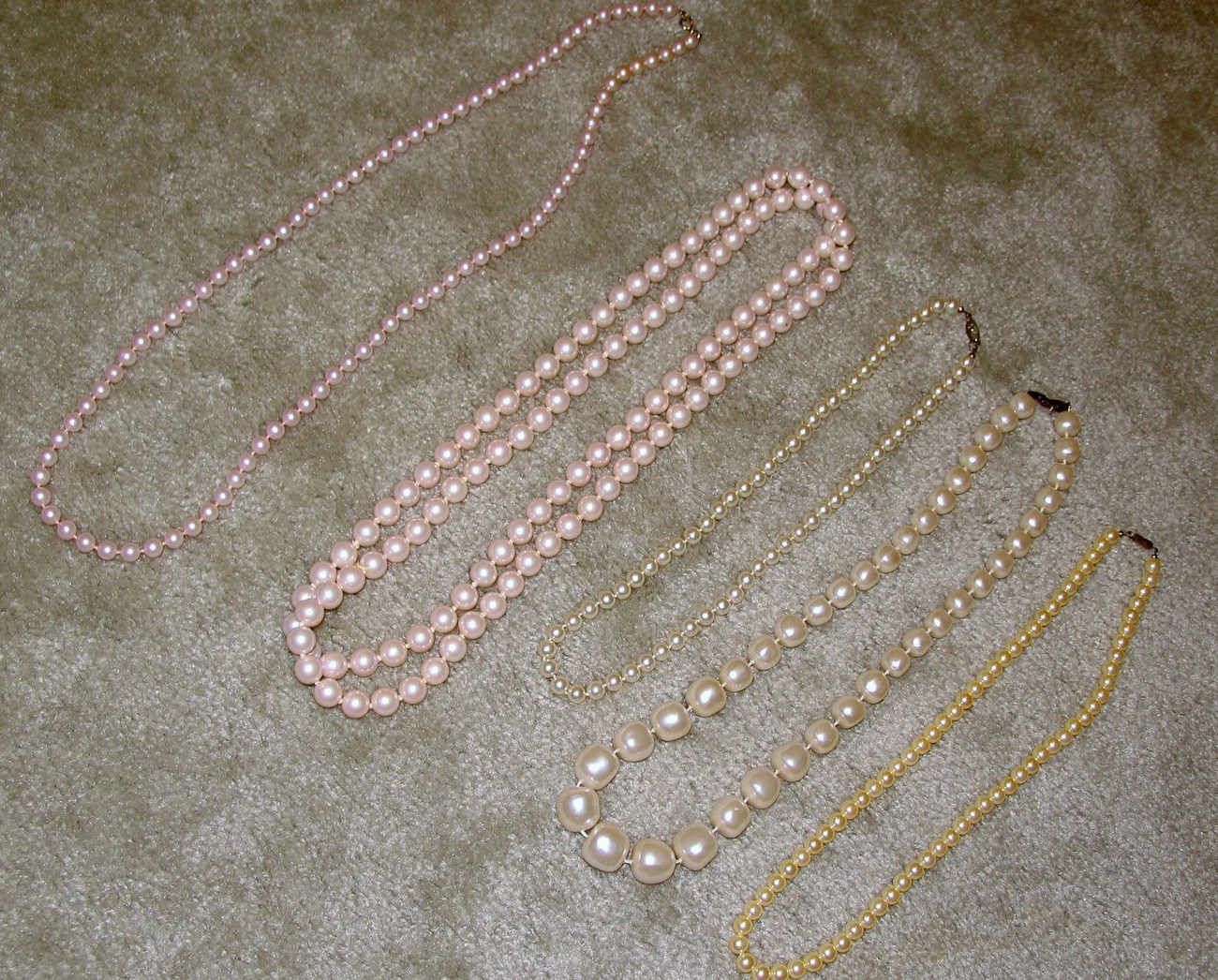 Vintage Lot of 5 Faux Pearl Costume Jewelry Necklaces