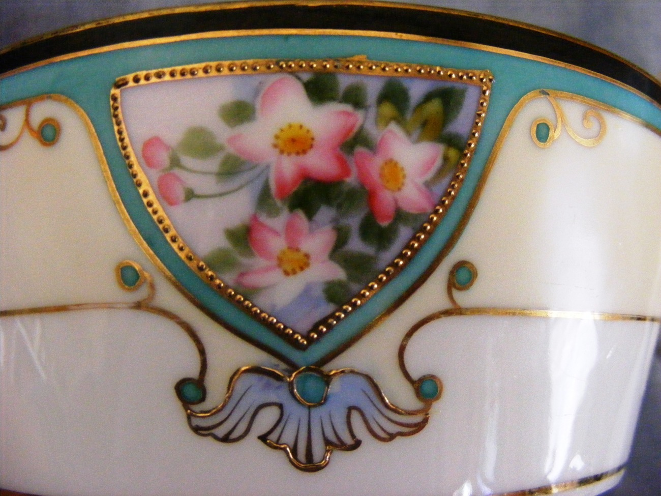 Hand Painted Nippon Morimura porcelain butter dish floral