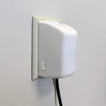 Dreambaby Dual Fit Plug and Electrical 2-Piece Outlet Cover - $5.44