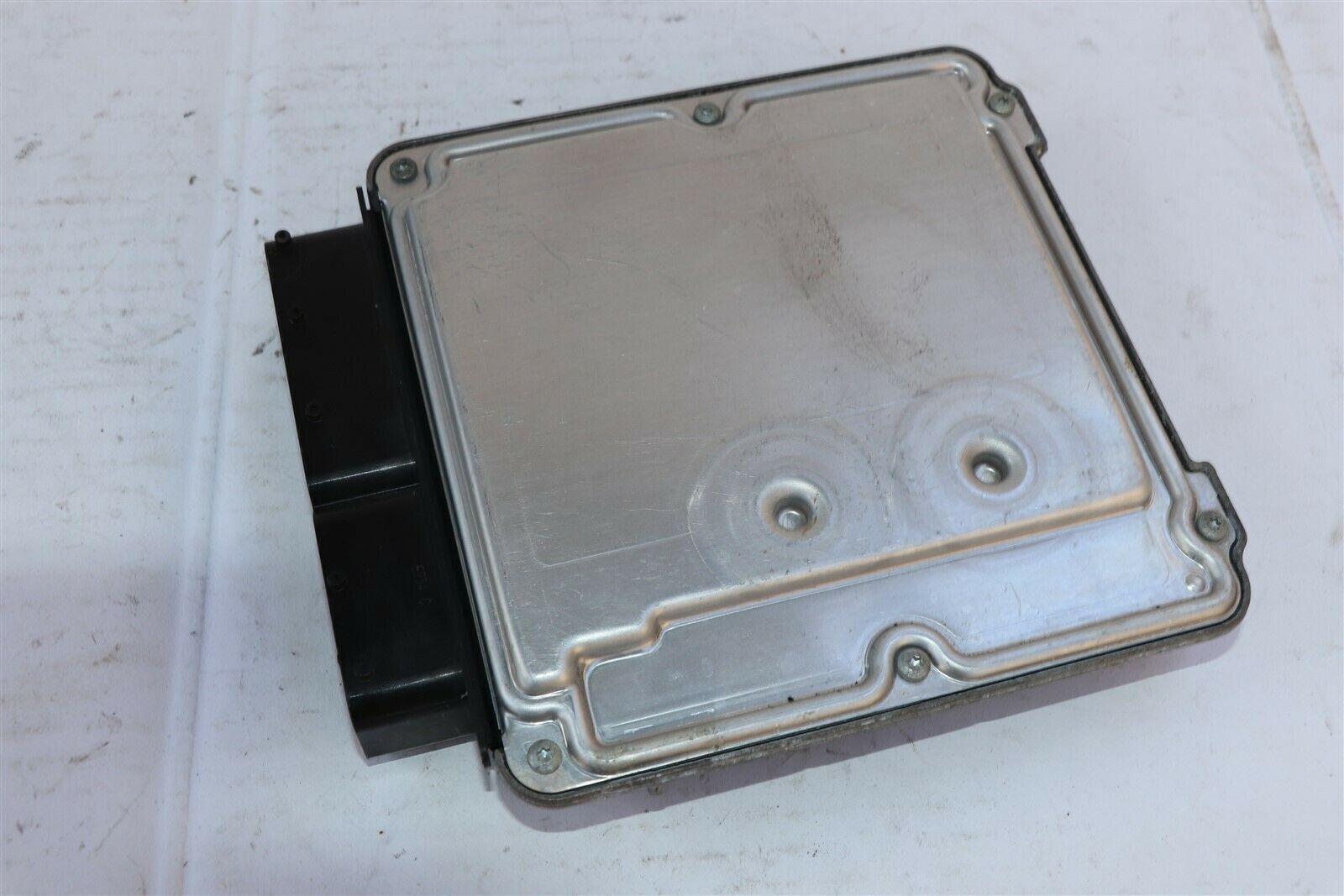 Chrysler Crossfire 6sp Engine Control Unit Module ECU ECM 1121535779, 0261208353