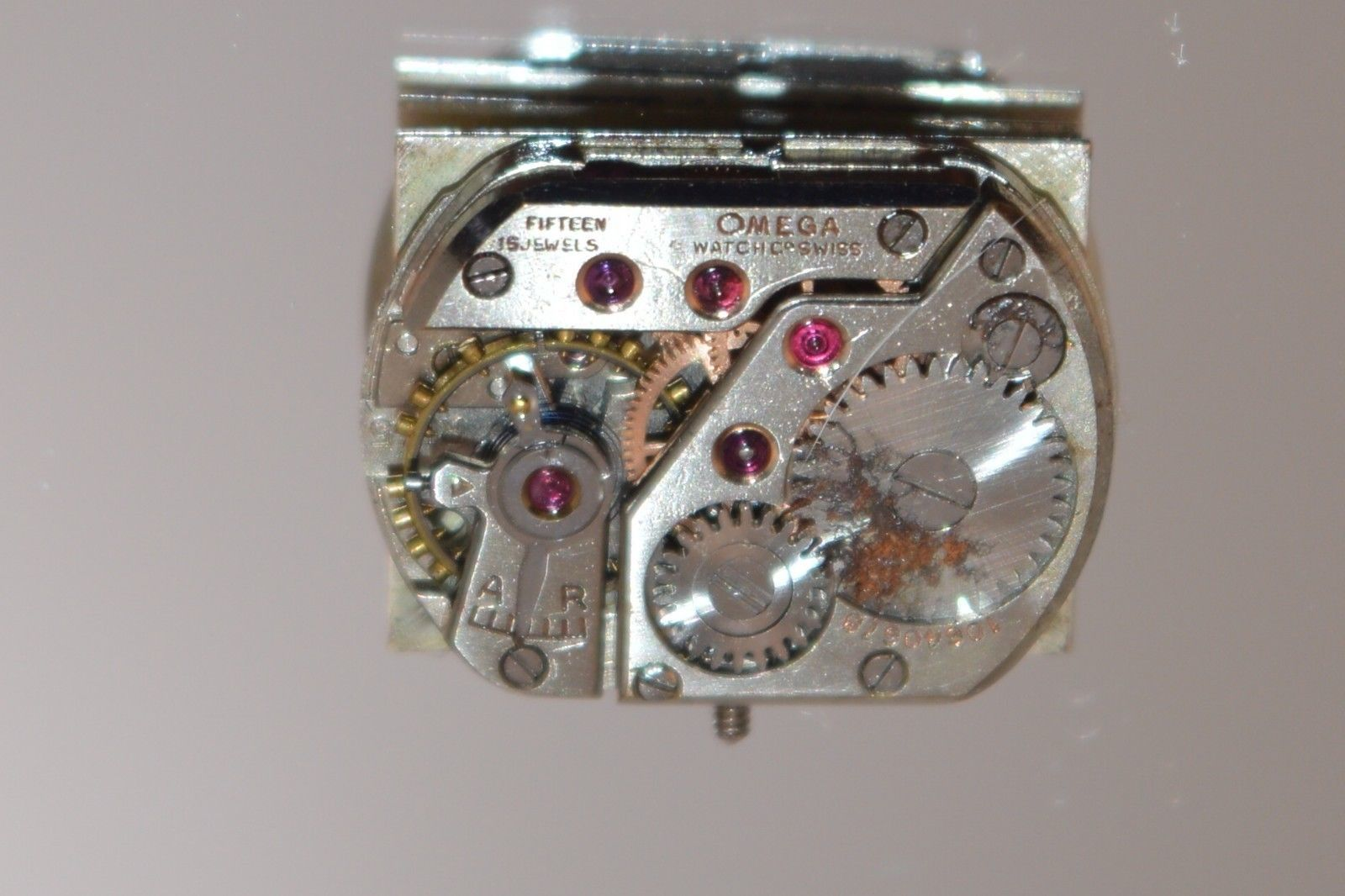 Vtg OMEGA lady's Watch Movement 15 Jewels  ''PARTS OR REPAIR'' 13.42mm Wide