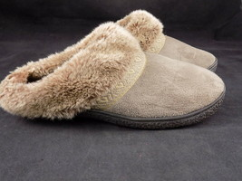 ISOTONER Grey Faux Fur Bootie Slipper Size 7.5 - 8 Comfortable Cushioning  - $10.88