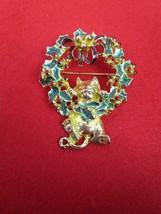 Vintage Danecraft  Brooch Cat Hanging On Wreath Gold Tone Enamel Leaves ... - $17.09