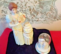 2007 AVON 40th Presidents Club Albee Porcelain Lady &matching mini in dome - $19.80