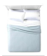 KING QUILT BED COVER Light Blue Triangle Pattern - $49.49