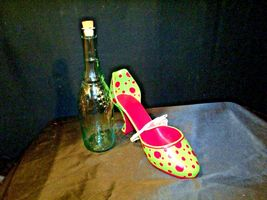HS High Spirits Shoe and Bottle Display AA-191736  Vintage Collectible image 5