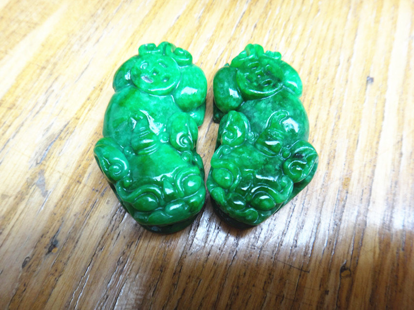 Free Shipping -  Hand-carved one Pair Genuine green jadeite '' Pi Yao '' Amulet