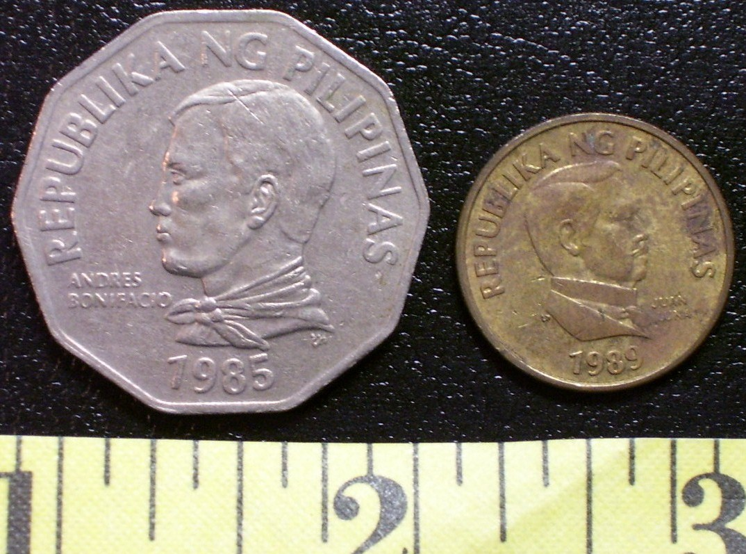 Philippine Coin Lot (2) 1985 Two Peso + 1989 25 Sentimo ...