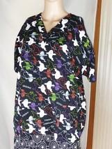 Scrubs H.Q. Women's Scrub Top - Size M Spooky Halloween Ghosts - Short S... - $14.95