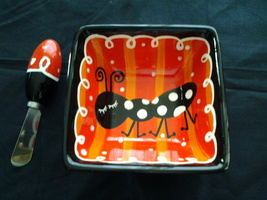 """Bowl Square 5.25"""" Diam 2.5"""" Tall, Black, Red and White W Ant & Spreading knife~ - $4.99"""