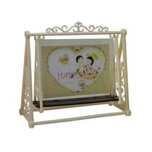 Panda Superstore Creative Swing Table-top Frames Decor Resin Photo/Frames 6.44.9