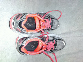 Saucony powergrid size 6 shoes Gray / Pink Guide 7 - $24.00