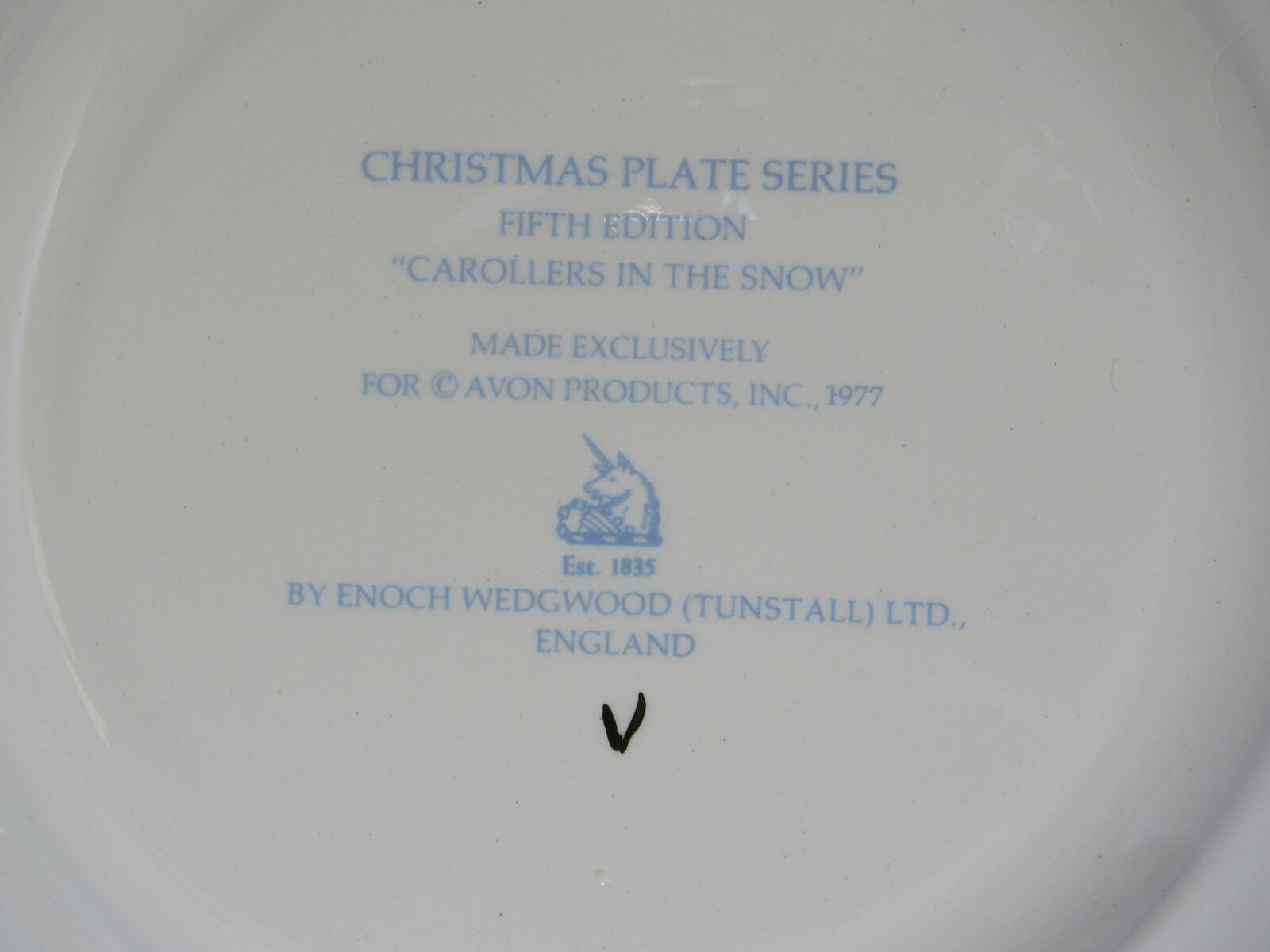 1977 Avon Christmas Plate Series Fifth Edition Carollers in the Snow in Box vtg image 4