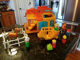 Vtg Fisher Price Little People 1982 Western Town #934 Cowboys Stage Coac... - $49.95