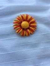 Vintage Enamel Flower Brooch Pin Orange Red And Yellow Daisy Mum E4 - $6.79