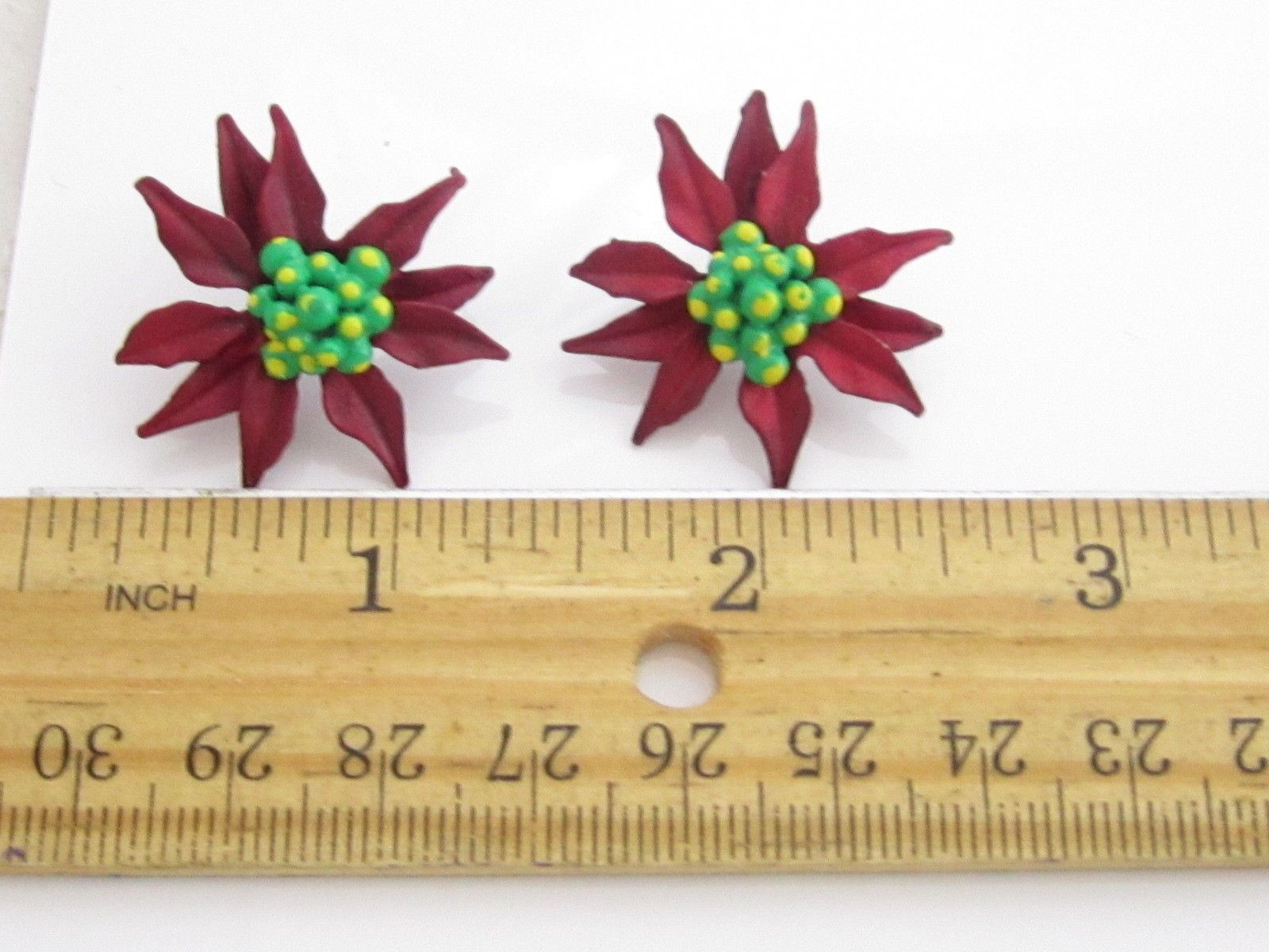 Festive Deep Red & Green Enamel Poinsetta Flower Christmas Fashion Earrings*694D